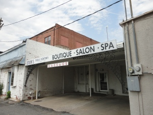 Boutique - Salon - Spa behind the main drag.