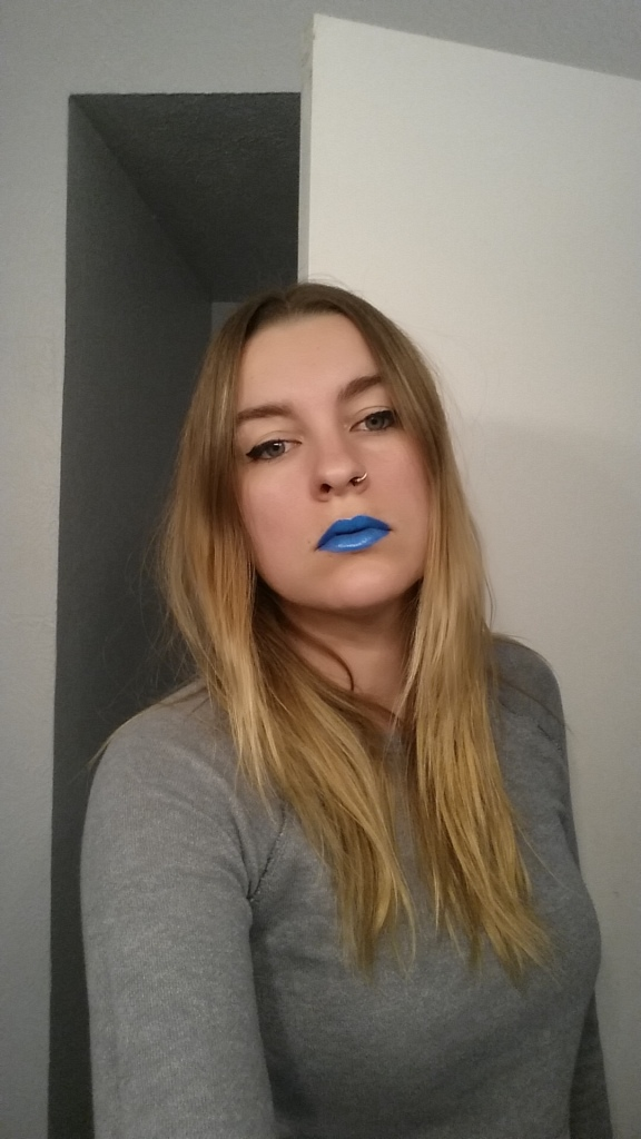 Magnolia Makeup lipstick in Avatar. (Old picture, several hairstyles ago...
